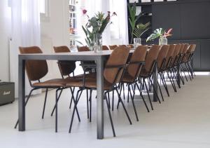 Bloom Flush - Spisebordsstol - Fås i flere farver